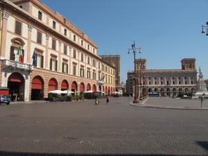 Piazza Saffi il Comune