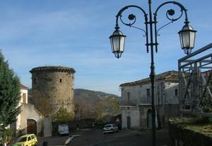 piazza angioina dedicata a Cavour