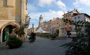 Piazza Santorre di Santarosa