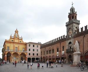 Nel cuor di Cento ecco la Piazza del Guercino