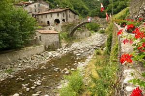 Ponte a Fabbriche di Vallico
