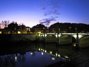 Alba su ponte Cavour