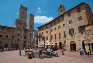 Cisterna tra le Torri… – Piazza della – San Gimignano