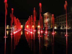 giochi di luce su piazza Martiri del 7 Luglio