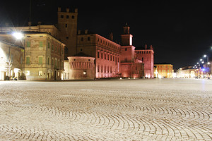 …in piazza…