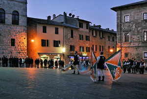 Le Bandiere in piazza