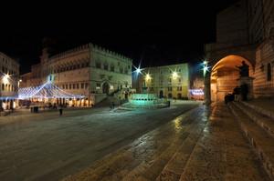Piazza IV Novembre in notturna