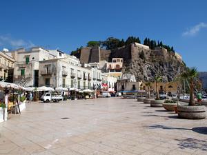 Piazza isolana