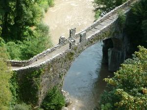Ubiale Clanezzo, ponte di attone