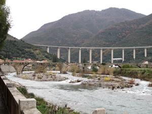 Ponti sul torrente Argentina