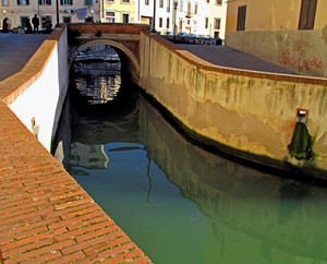 Ponte del Luogo Pio nel Quartiere della Venezia.