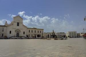 L'immensa piazza