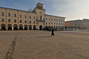 piazza Garibaldi quattro passi in piazza