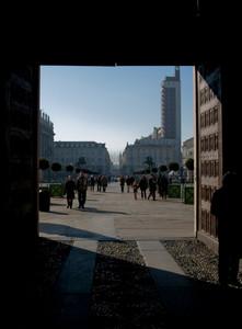entrando in piazza castello
