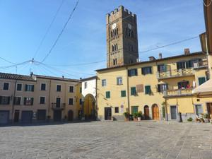 La piazza e la torre