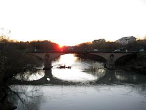 tramonto sul ponte sul volturno