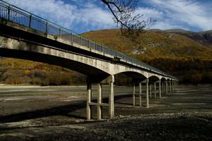 ''Poca acqua sotto al ponte'' - Civitella Alfedena
