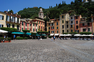 Piazza Martiri dell'Olivetta