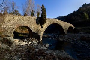 Il ponte Mediovale della valle del Bisenzio …e i primi raggi di sole