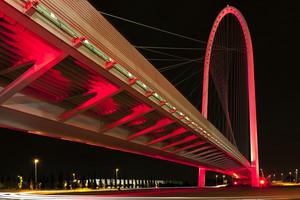 Calatrava vestito di rosso