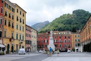 Passeggiata in Piazza Alberica