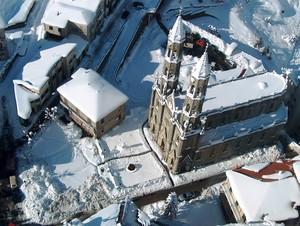 Piazza Filippo Gagliardi sotto la neve