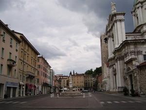 Piazza Paolo VI° – una grigia giornata