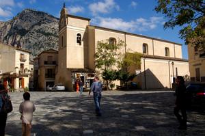Civita: piazza Duomo