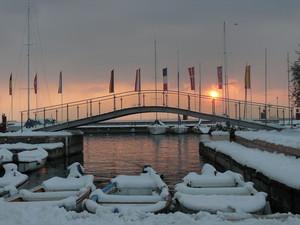 Ponte sul porto.