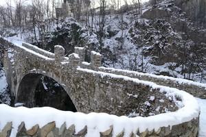 Ponte Attone innevato