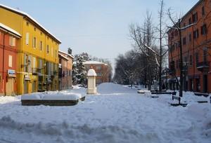 Piazza Garibaldi dopo tanta neve uno sprazzo di sole