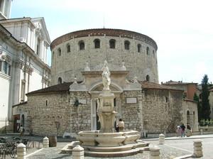 Piazza Paolo VI il Duomo Vecchio(la Rotonda)