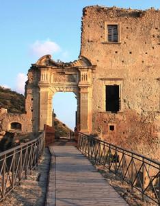 il ponte che porta al castello