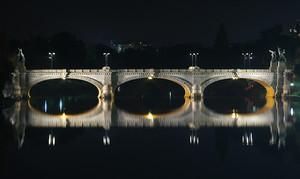 Il ponte riflesso