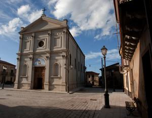 Il Piazzale Del Santuario di Maria SS dellegrazie di Tresilico