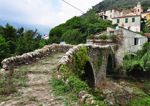 Ponte medioevale di Molini di Prelà