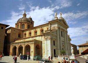 Piazza Duca Federico e Duomo di Urbino