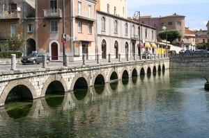 ponte sull'acquedotto romano
