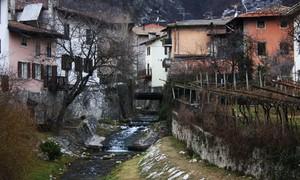 delle vecchie case…. un vecchio ponte