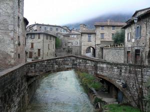 Ponte sul torrente Carmignano