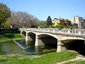 ponte sul torrente parma