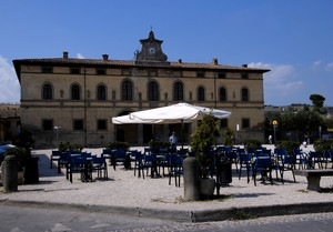 …in piazza