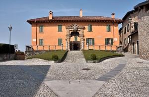 piazza di Montevecchia