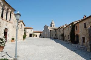 Titignano e la piazza