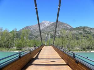 Ponte pedonale sul Lago di Cavazzo o Lago dei Tre Comuni.