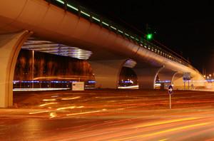 Scie sotto un ponte