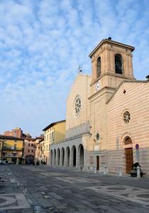 Piazza Mazzini e la chiesa di S.Croce