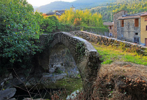 Antico ponte a Vessalico