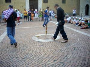 …giochi in piazza…