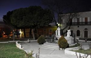 Piazza Dante Alighieri col Monumento a S. Pio da Pietrelcina